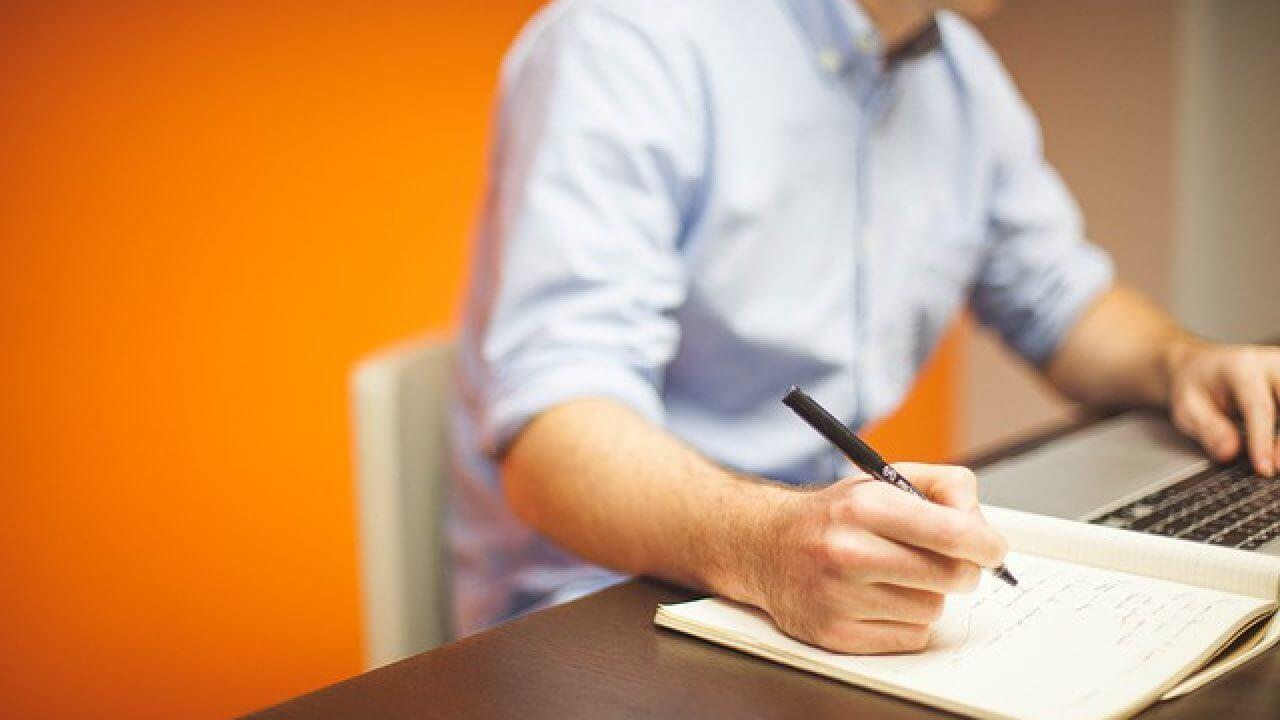 التدوين أو كتابة المقالات